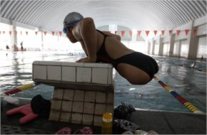 She found it difficult at first, but thanks to plenty of hard work and effort, she mastered the sport despite her disabilities, and now trains for four hours a day. She hopes one day to win a medal f