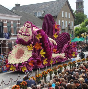 In Zundert, in the South of the Netherlands, we are crazy about our flower parade