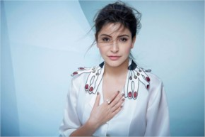 Actress Anushka Sharma Hot Pictures