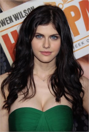 Alexandra Daddario beauty in green