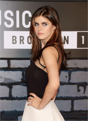 alexandra daddario hot tight dress