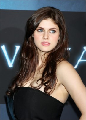 Alexandra Daddario Talks TEXAS CHAINSAW 3D