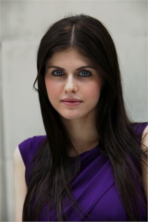 Alexandra Daddario to play Selina Kyle aka Catwoman in new The CW series