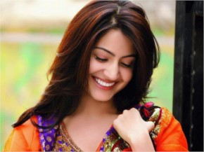 Anushka Sharma Cute Smile