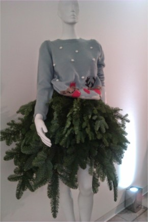20+ Beautiful Christmas Tree dresses for this year