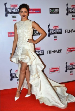 Best Red Carpet Looks at Filmfare Awards 2015!