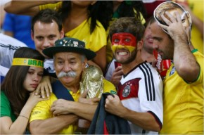 Top 30 Brazil crazy Football Fans photo gallery
