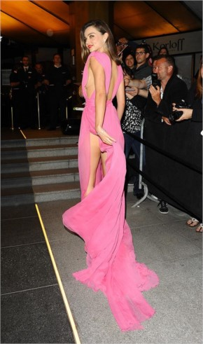 Top 34 Hottest Celebrity Wardrobe Malfunction in Hollywood Photos