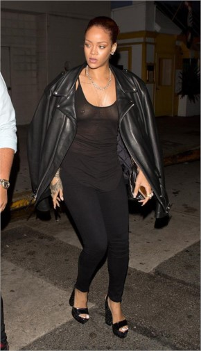 Celebrity Wardrobe Malfunction in Hollywood - Rihanna
