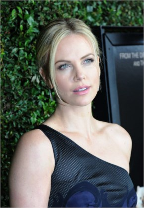 Charlize Theron @ Young Adult premiere in LA