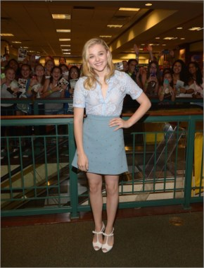 Chloe Moretz – 'If I Stay' Book Signing in Miami
