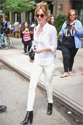 Dakota Johnson Casual Style – Out In New York City