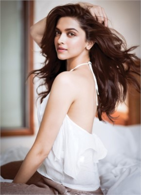 Deepika Padukon Hot Back