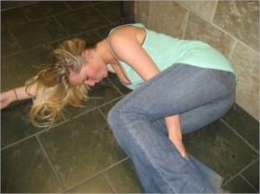 25+ Drunk Girls Whose Friends Shouldn't Be Allowed Cameras