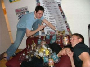 Drunk People Who Are the Perfect Targets for Pranks (35+ Photos)