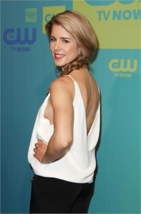 Emily Bett Rickards Beautiful Hair style