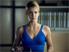 Emily Bett Rickards look Hot In Blue Dress