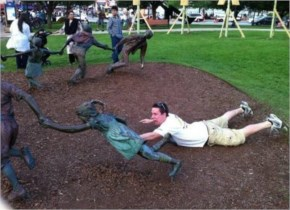 Fun With Statue | Only Few People Have Done | Very Funny Pictures_2