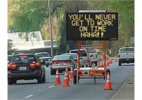25+ Funniest sign ever seen while crossing road