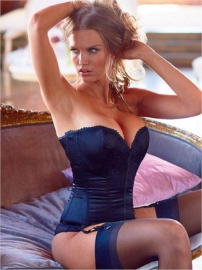 20+ Girls in corsets always look Hot and sexy