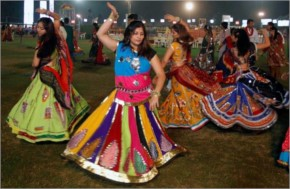 Girls Playing Dandiya Ras