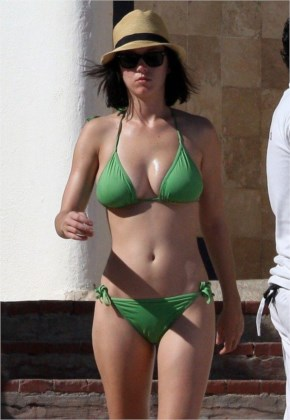 Hot and Sext Katy Perry on Vacay at Mexico