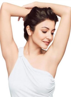 Hot Pose of Anushka Sharma