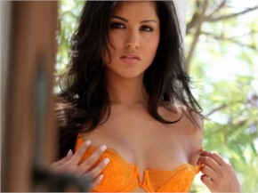 Hot Sunny Leone Sexy Pictures
