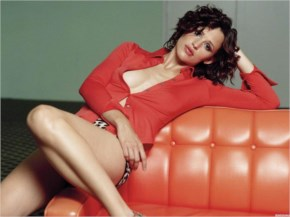 Jennifer Garner hot beauty in red giving extra flavour
