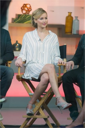 Jennifer Lawrence Sexy Legs