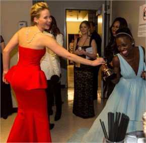 Jennifer Lawrence Tries to Steal Lupita Nyong'o's Oscar