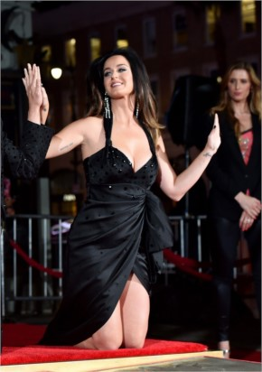 """16 Katy Perry Photos - """"Lukin Damm Hot While Flaunting Her Wowsomely Massive Juggies..!!!"""""""