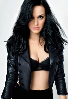 Katy Perry look Hot in Black Dress