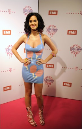 Katy Perry Rocks Skin Tight Latex Blue Dress at Germany