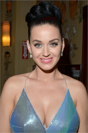 Katy Perry's Change Of A Dress Grammy Awards 2014