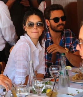 Kendall Jenner and Scott Disick dine take Dinner at Il Pastio in Beverly Hills