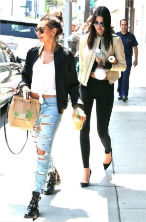 Kendall Jenner Street Style | Toned midriff Outfit at LA_2