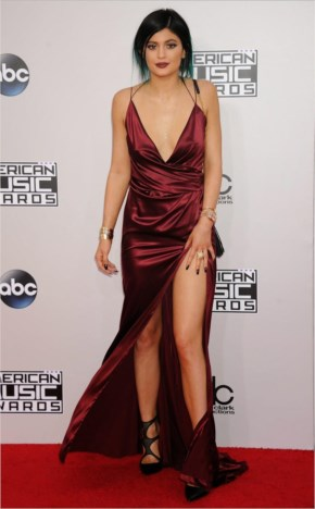 Kylie Jenner seduces in a slinky gown at the 2014 American Music Awards