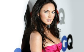 Megan Fox Look Sexy