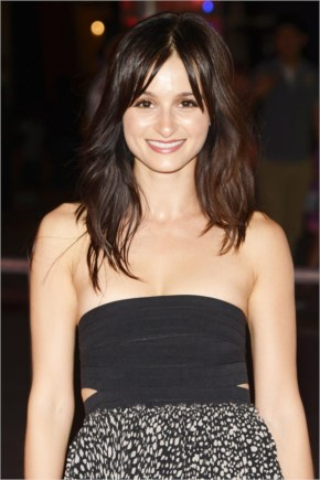Melanie Papalia….The Newsroom Actress  Is Joining Season Four Of Suits