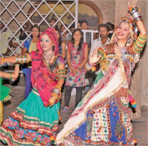 Navratri 2014 Fourth Day Images