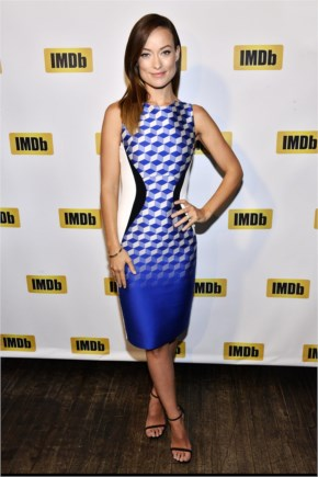 Olivia Wilde in printed shift dress on the ceremony of Starmeter Award at Toronto