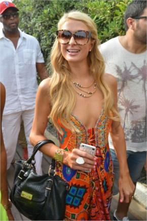 Paris Hilton – DJ Set On The Beach In Saint-Tropez