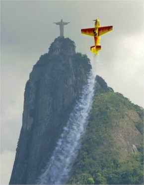 Perfectly Timed &  Hilariously Epic Stunt Plane In Rio