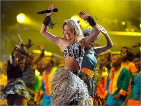 Pop star Shakira will perform before the World Cup final in Rio de Janeiro on July 13, headlining a closing ceremony