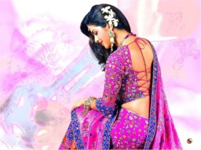 priyanka chopra looks gorgeous in pink saree