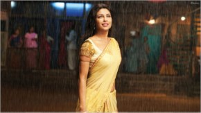 priyanka chopra looks hot in yellow saree in agnipath movie