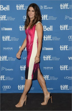 Sandra Bullock wear multicolored Roland Mouret dress on the Gravity press conference