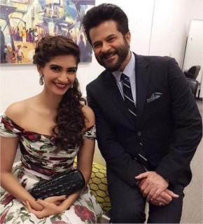 Sonam Kapoor and Anil Kapoor at the SAF Gala