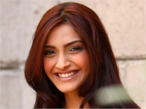 Sonam Kapoor Beautiful Smile